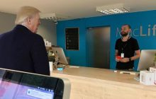 Niespodziewana wizyta Trumpa w... serwisie urządzeń elektronicznych? Firma postanowiła zażartować z prezydenta