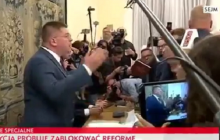 Mocna reakcja Rzymkowskiego. Poseł Kukiz'15 nie wytrzymał i zrugał awanturujących się posłów [WIDEO]