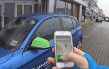 """Firma oferująca wynajem auta """"na minuty"""" powiększa swoją flotę o 200 samochodów. Czym jest car-sharing i czy oznacza konkurencję dla taksówek?"""