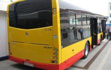 Lincz na kierowcy warszawskiego autobusu. Mężczyzna był bity pałkami tylko dlatego, że chwilę wcześniej zwrócił oprawcom uwagę
