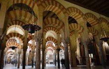 W Hiszpanii masowo dochodzi do ataków na meczety. Protestują też muzułmanie!