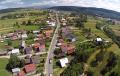 Nasi sąsiedzi wybrali najpiękniejszą wieś w kraju. To miejscowość związana z Polską… [WIDEO]