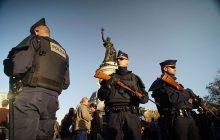 Taką bronią dysponują bandyci we Francji! W imigranckim getcie pod Paryżem policja odkryła prawdziwy arsenał