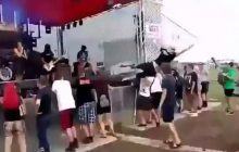 Zabawna sytuacja na Woodstocku. Chciał skoczyć w publiczność, ale... coś poszło nie tak [WIDEO]