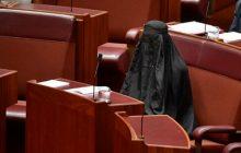 Siedziała w parlamencie w burce. Wywołała burzę [WIDEO]