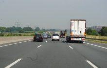 Kolejny atak na Polaka! Tym razem w Belgii. Imigranci chcieli włamać się do jego ciężarówki