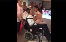 Poruszające nagranie. Mężczyzna pierwszy raz od ciężkiego wypadku w romantycznym tańcu ze swoją żoną.