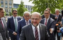 """Główny rywal Angeli Merkel krytykuje Polskę za brak solidarności ws. uchodźców. """"Tutaj kanclerz Niemiec musi powiedzieć: nie!"""" [WIDEO]"""