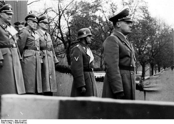 """Brytyjski dziennik nazwał Hansa Franka """"polskim masowym mordercą"""". Interweniuje Muzeum Auschwitz"""