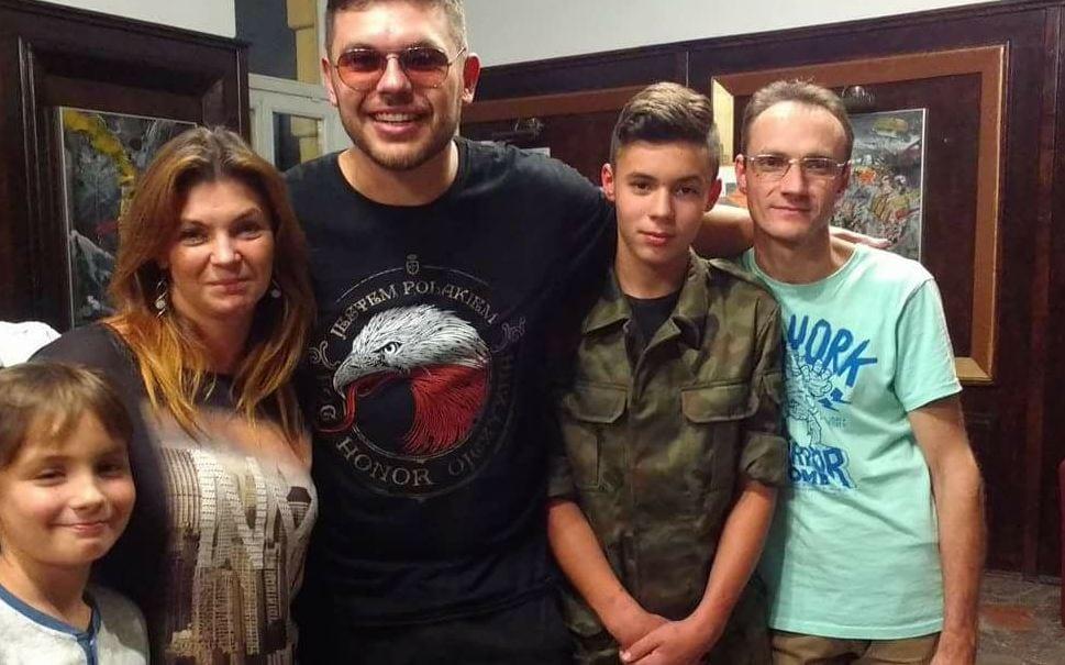 Polski raper twierdzi, że w trakcie jego koncertu doszło do cudu. Uzdrowiona została dziewczyna.
