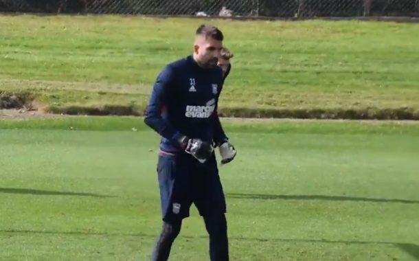 Angielski klub publikuje nagranie z treningu. Polak w ciągu kilkunastu sekund obronił cztery strzały! [WIDEO]