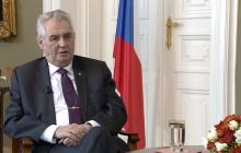 Przyjmowanie migrantów albo ograniczenie środków z UE. Prezydent Czech nie zastanawiał się długo nad wyborem