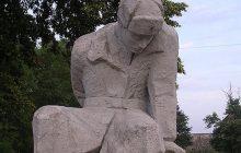Tego nikt się po nim nie spodziewał! Morawiecki nie chce usuwać sowieckich pomników