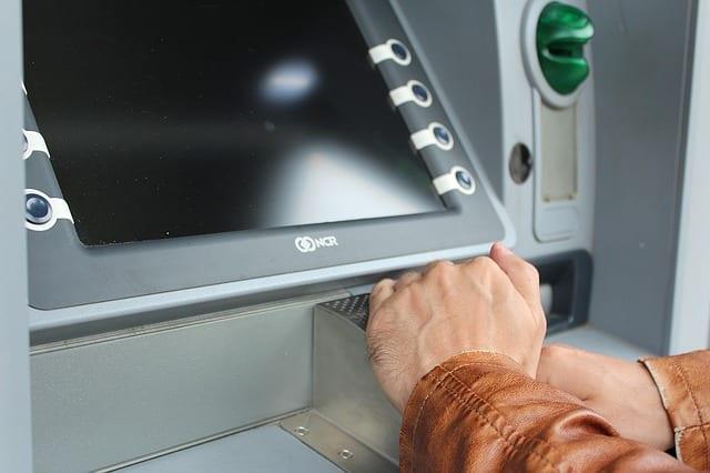 Tradycyjne bankomaty powoli będą znikać. Nowoczesne maszyny będą połączone z urządzeniami mobilnymi