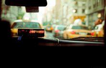 W ten sposób taksówkarze chcą walczyć z tańszą konkurencją. Zmiany uderzą w portfele klientów.
