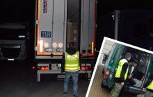 Straż Graniczna zatrzymała nielegalnych imigrantów w Polsce. Przekroczyli granice kilku państw w ciężarówce z winem