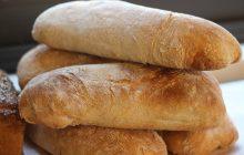 Polacy coraz rzadziej kupują pieczywo, rzadziej korzystając przy tym ze sklepów tradycyjnych
