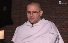 Specjalna komisja zajmie się wypowiedziami znanego dominikanina. Duchowny często gościł na antenie TVN