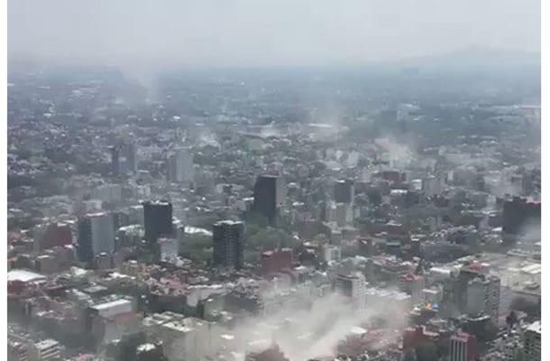 Dramatyczne nagrania z trzęsienia ziemi w Meksyku! Walące się budynki, ludzie w panice [WIDEO]