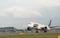 Samoloty Polskich Linii Lotniczych LOT będą biało czerwone? Tym pomysłem zainteresował się Andrzej Duda