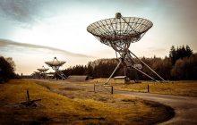 Odkrył pierwszy pozasłoneczny układ planetarny. Polski astronom wyróżniony prestiżowym medalem