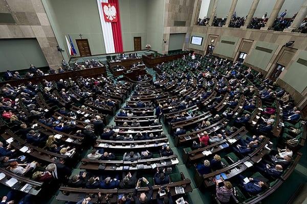 Kto był najlepszym premierem po 1989 roku? Zaskakujące wyniki sondażu dla Gazeta.pl