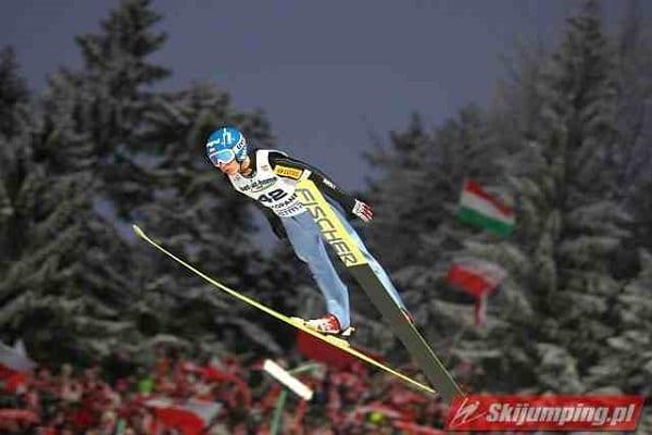 Był nadzieją polskich skoków narciarskich, wygrał nawet konkurs Pucharu Świata. Teraz rozwozi towary po Europie!
