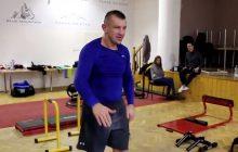 Tomasz Adamek przygotowuje się do kolejnej walki. W sieci pojawiło się nagranie z treningu, na którym pięściarz... tańczy [WIDEO]