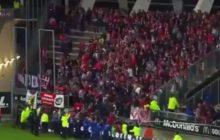 Dramatyczne zdarzenie podczas meczu ligi francuskiej. Zawaliła się bariera, kibice zaczęli się tratować. Wśród nich są ciężko ranni [WIDEO]