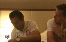 Kiedy po raz ostatni Polska awansowała na mundial Krychowiak i Szczęsny wyglądali tak. Fotografia hitem sieci [FOTO]