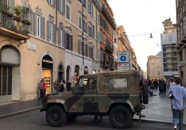 Magdalena Ogórek publikuje zdjęcie z Rzymu. To dowód na to, że Europa żyje w strachu?