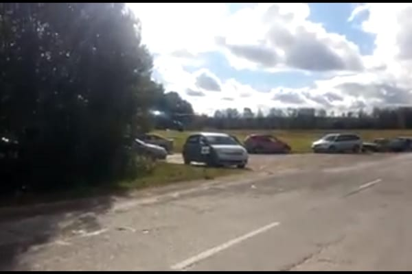 Wypadek helikoptera na trasie rajdu Lipawy. Na pokładzie Polacy! [WIDEO]