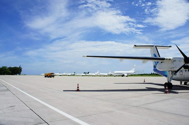 Polacy na bilety lotnicze wydają do 1000 zł [badanie]