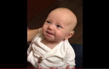 Głuche dziecko po raz pierwszy usłyszało głos swojej mamy. Jego reakcja wzrusza do łez [WIDEO]