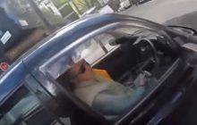 Chciał zwrócić uwagę kierowcy. Spotkał się z atakiem.