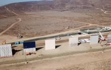 Budowa muru pomiędzy USA i Meksykiem wkracza w kolejną fazę. Zaprezentowano 8 prototypów [WIDEO]