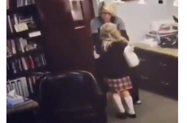 11-latka dowiedziała się, że została adoptowana. Nagranie podbiło sieć [WIDEO]