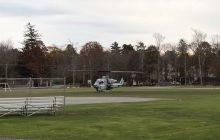 Pilot wylądował na boisku helikopterem, bo... zostawił telefon w pobliskiej restauracji! [WIDEO]