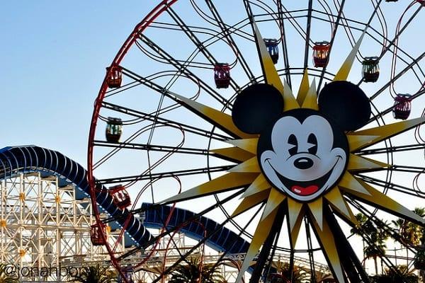 Po wizycie w Disneylandzie ludzie zapadali na ciężką chorobę! Przyczyną bakterie w wieżach chłodniczych?