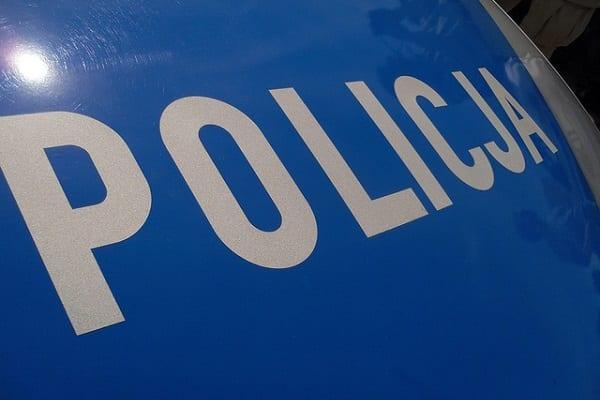 Zaatakowali policjantów siekierami! Wcześniej napadli na sklep