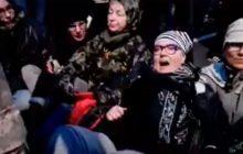 Tak z perspektywy uczestnika wyglądała próba zatrzymania Marszu Niepodległości. Grupa kobiet siedziała na ulicy i krzyczała:
