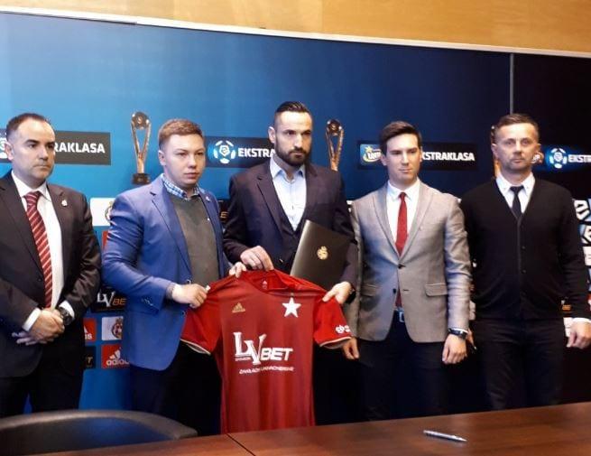 Doniesienia się potwierdziły. Były reprezentant Polski i mistrz Anglii z Leicester City, wraca do Ekstraklasy!