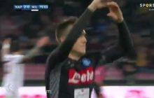 Piotr Zieliński strzelił gola Milanowi! Napoli wygrywa i umacnia się na pozycji lidera Serie A [WIDEO]