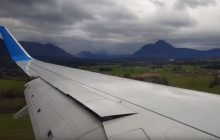 Dramatyczne lądowanie samolotu w Salzburgu z perspektywy pasażera. Maszyna omal nie rozbiła się o płytę lotniska [WIDEO]