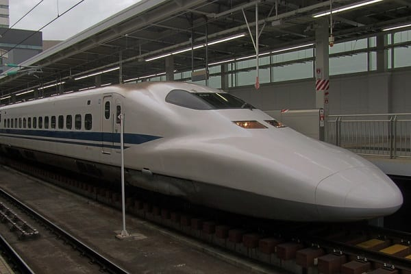 Ten komunikat stał się hitem. Japoński przewoźnik przeprasza, bo pociąg odjechał... 20 sekund za wcześnie!