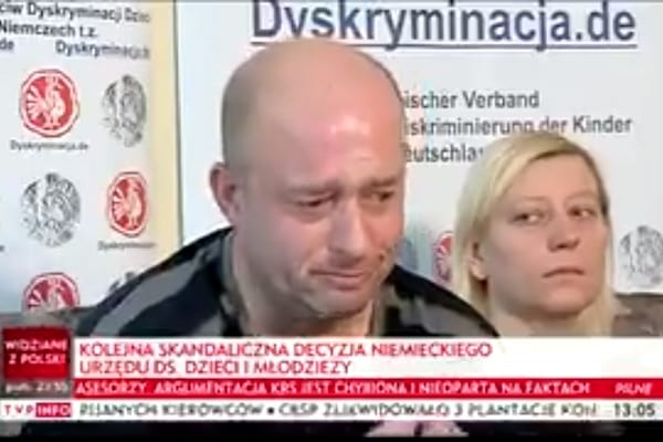 Dramatyczny apel ojca 10-miesięcznej dziewczynki. Zabrali ją niemieccy urzędnicy i wystawili gigantyczny rachunek!