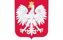 Władze miasteczka wystawiły godło Polski z poważnym błędem. Urzędniczka wydała wyjaśnienie, które trudno zrozumieć