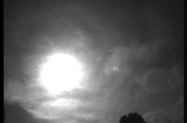 Spektakularne zjawisko nad Anglią! Wielkie kule ognia rozjaśniły niebo. Ludzie słyszeli wybuchy i dudnienie [WIDEO]