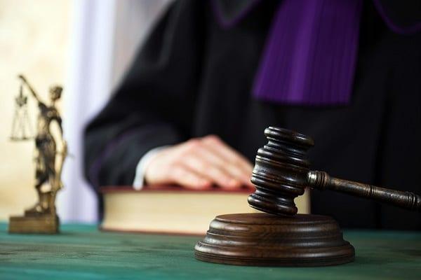 Badanie: Tylko niewielki procent sądów wywiązuje się z terminu nadawania klauzuli wykonalności