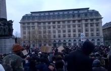 Manifestacja w Brukseli zakończyła się regularną bitwą z policją. Funkcjonariusze zatrzymali kilkadziesiąt osób [WIDEO]